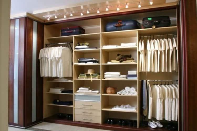 Варианты наполнения шкафа полками и штангами