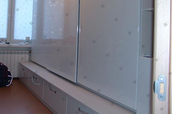 Шкаф-купе с пластиковыми дверьми