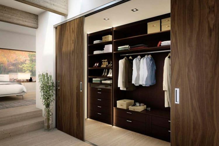 Что лучше - гардеробная или шкаф-купе