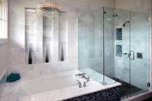 Что лучше ванная или душевая кабина