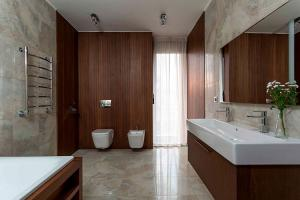 Как расставить мебель в ванной комнате