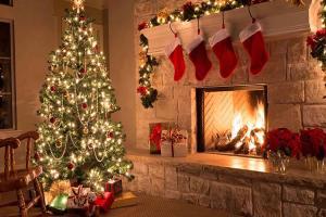 Новогоднее настроение интерьера гостиной