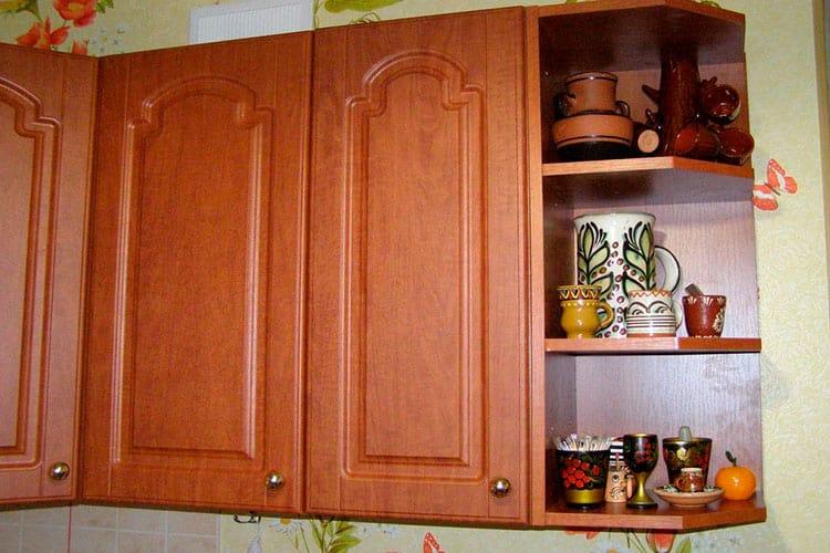 Особенности настенных шкафов
