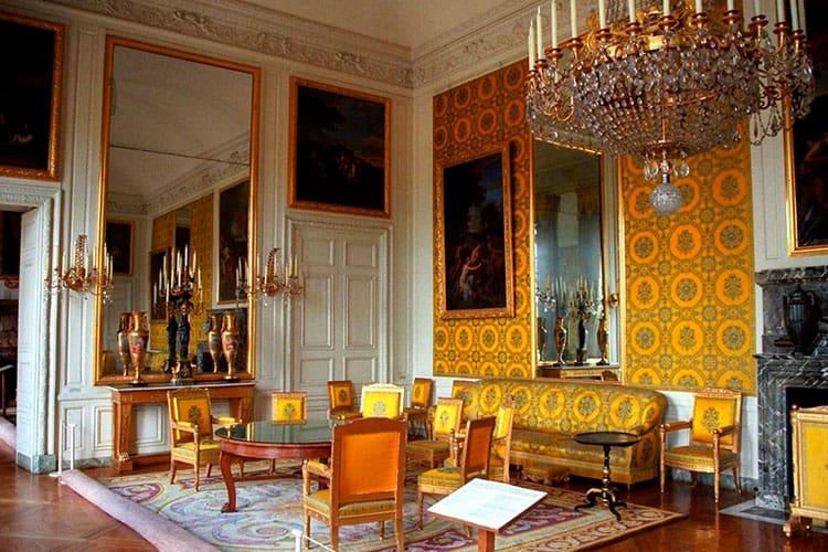Высокопарность и помпезность стиля Версаль